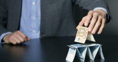 香港投资大师被指控利用庞氏骗局吸引690万港元的资金